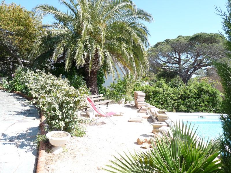 BAS DE VILLA T3 Bas de villa avec piscine semi privative SIX FOURS LES PLAGES