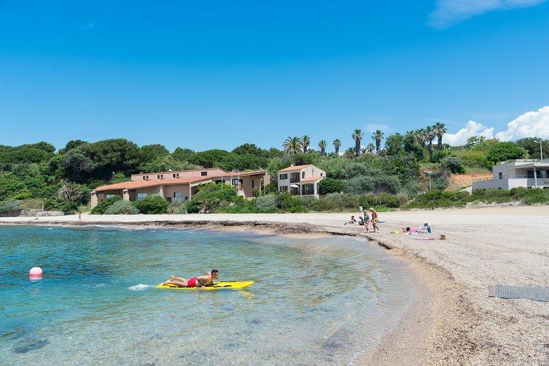VILLA T4 Bas de villa sans piscine SIX FOURS LES PLAGES