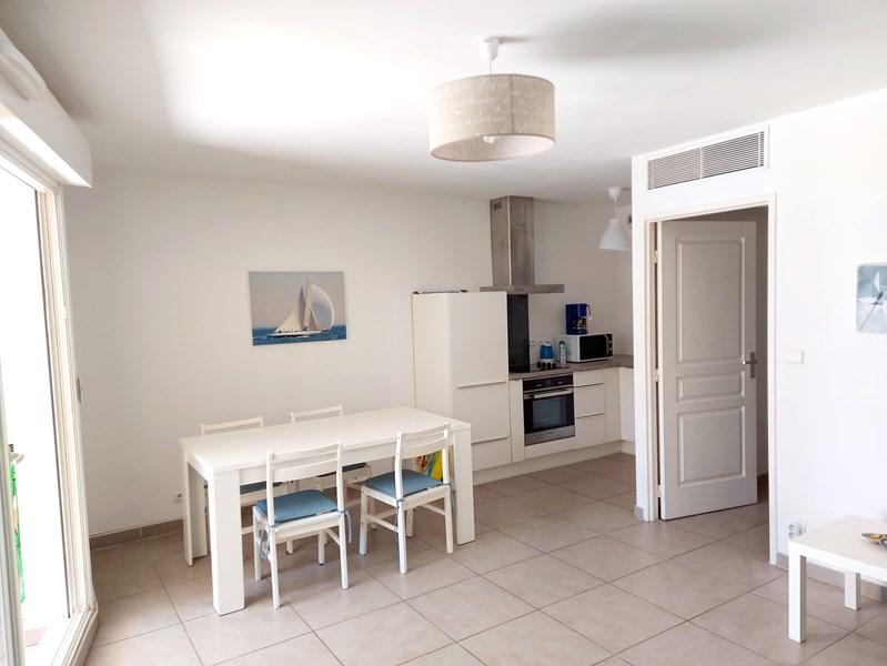 Residence du Lac T3 climatisé salon et chambres SIX FOURS LES PLAGES