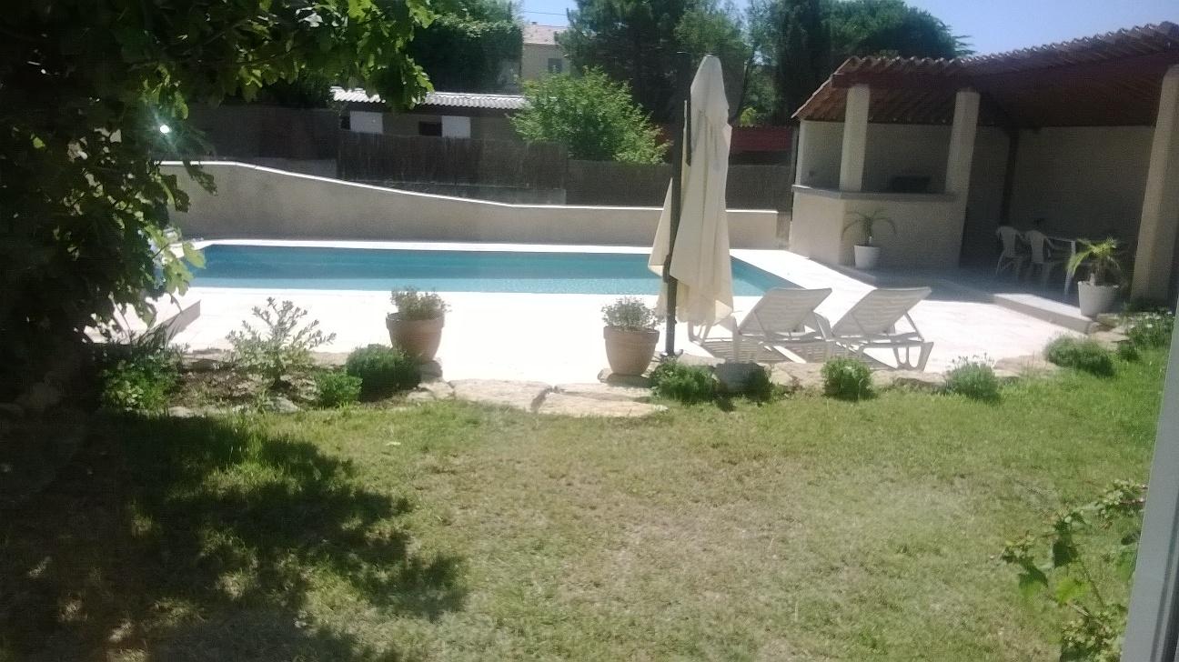 Location de vacances magnifique villa de 100 m2 avec for 100 m2 de terrain
