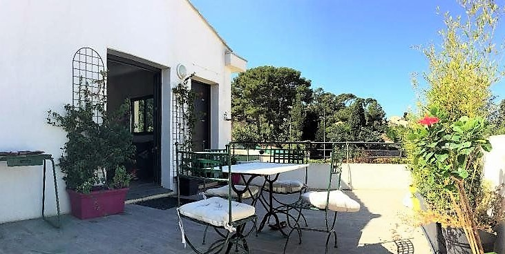 APPARTEMENT 30M² TERRASSE SANARY A PIEDS